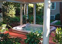 5 punkter å tenkte igjennom når du skal planlegge plassering av et utendørs massasjebad i hagen.
