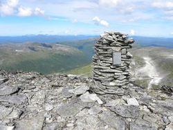 36 Fra toppvarden på Blånebba mot Søyådalen
