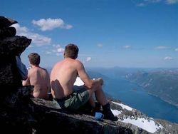 Hovsnebba - utover Sunndalsfjorden