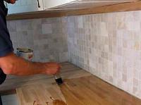 En kjøkkenbenk som er oljet inn på riktig måte, står seg i mange år.