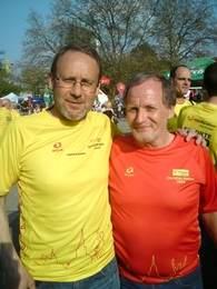 Disse to karene har flere ting til felles. begger er født i 1957, begge liker å løpe maraton og begge løp Hannover Maraton i helga. Den ene løp maraton nr 66, den andre nr 2000....