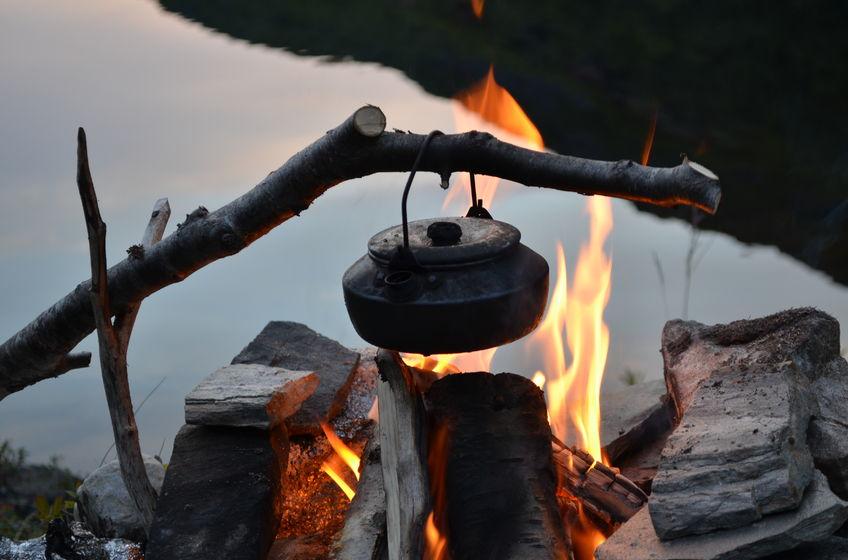 Bålkaffe ved Holvannet på Spildra i Kvænangen