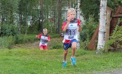 Hinderløype - terrengløp - Elias og Mikkel