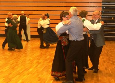 IMG_0938_Danvik_Folkehøyskole_Jubileumsfest_Dansen.JPG