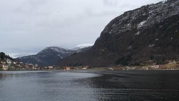 Sogndal og Loftesnesbrui mars 2015