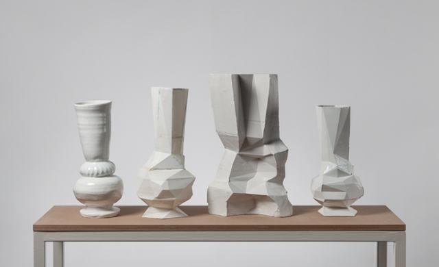 Sarah Pschorn, The Digital Truth,2015, 4 pieces, porcelain, pla and cast/. Foto Jakob Adolphi