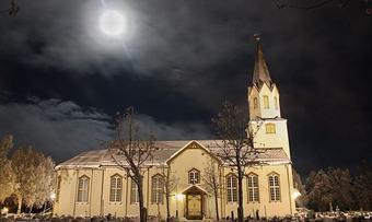 Rindal kirke vinter Foto Eli Solvik
