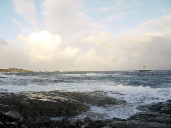 Fedjefjord i storm utanfor Skotholmen -EVdes13