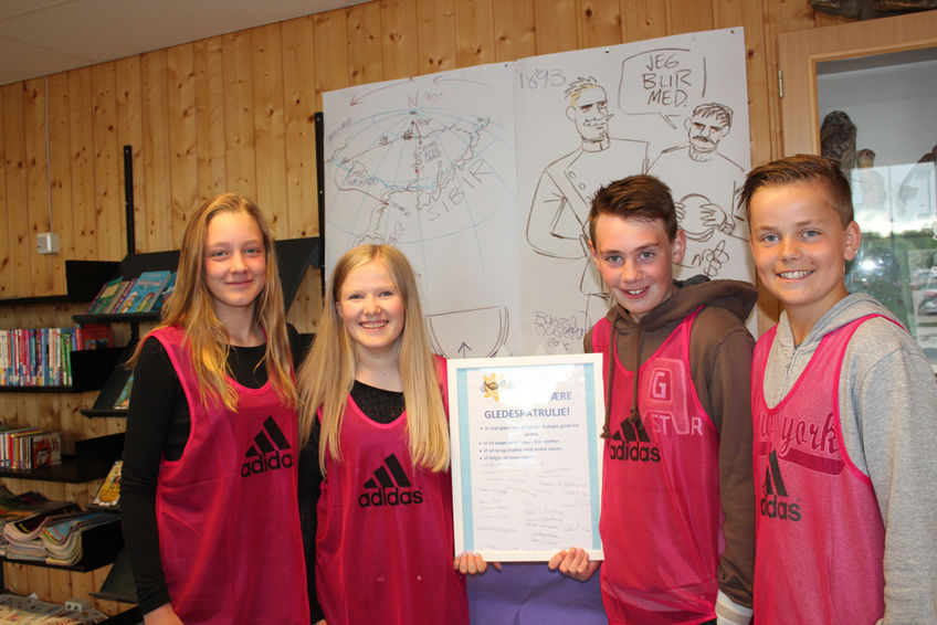 Karen, Emma, Gabriel og Mikkel trives som gledesspredere på Kirkenær skole.