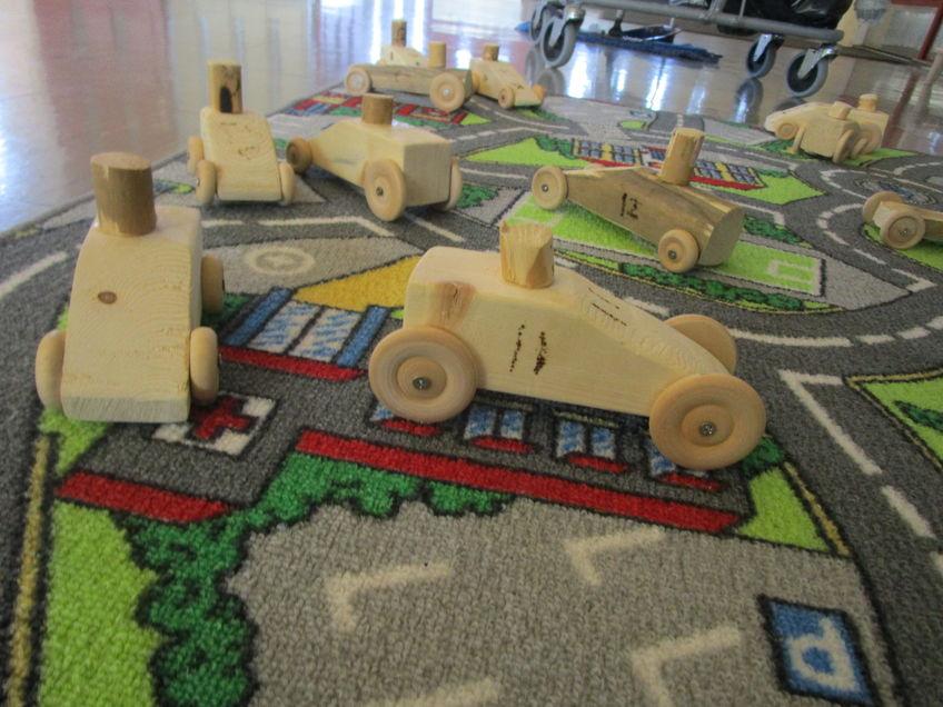 Biler laget av 2. trinn