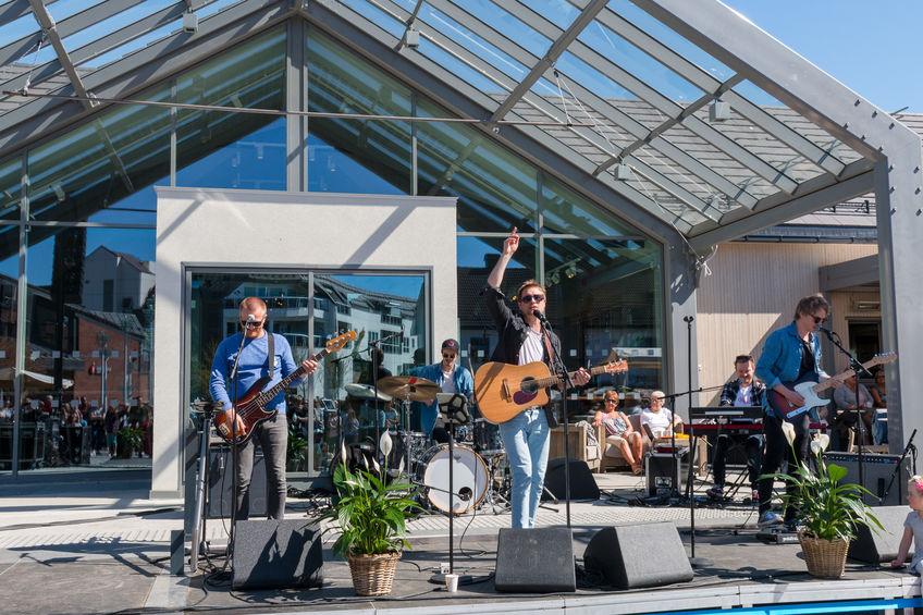 Gaute Ormåsen med band holdt gratiskonsert