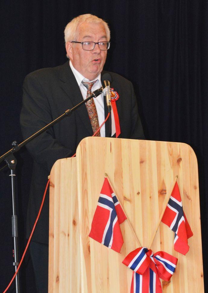 Festdag b Tale ved Gunnvald (Foto Bernt G. Bøe).jpg