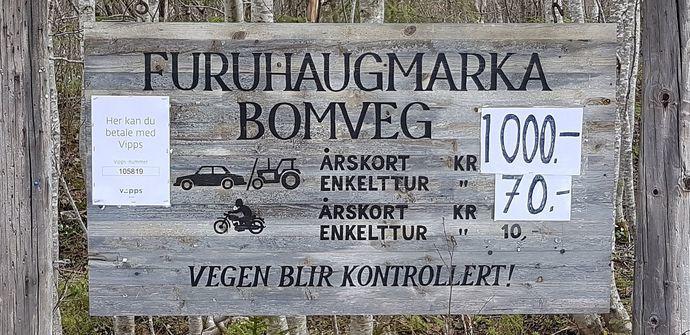 Furuhaugmarkvegenskilt2017-05-1915
