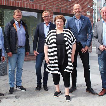 Aktører fra IKT Ressursforum Innlandet sammen med aktører fra Ringsaker kommune og Hedmark fylkeskommune.