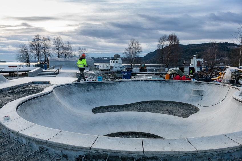 Skateparken under bygging