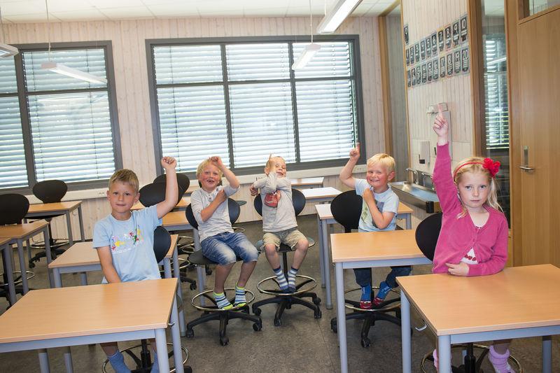 Barn i et klasserom