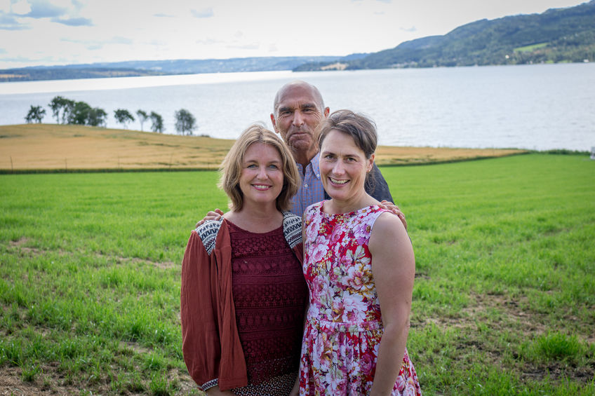 Berit Jevnaker fra Kreftforeningen, initiativtaker Arthur Bucardt og daglig leder ved Prøysenhuset, Marie Beate Rise