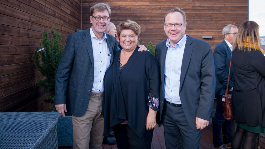 Husbankens administrerende direktør Osmund Kaldheim, ordfører Anita Ihle Steen og rådmann Jørn Strand