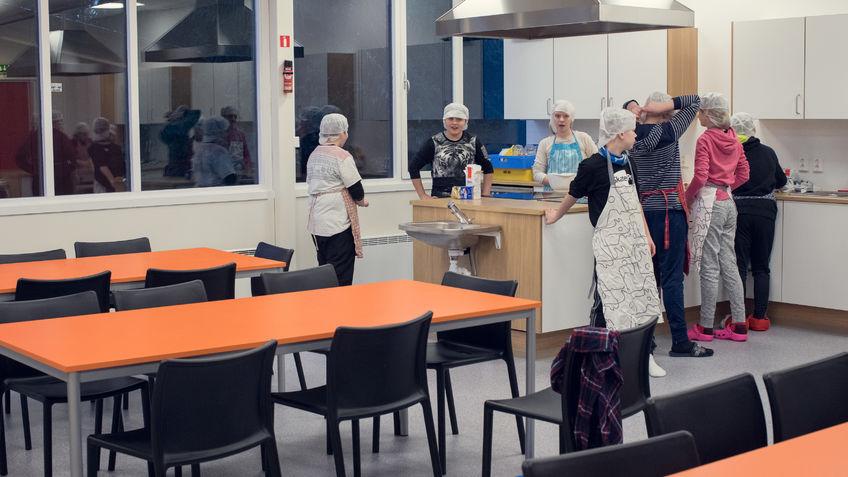 Det nye skolekjøkkenet er romslig og praktisk
