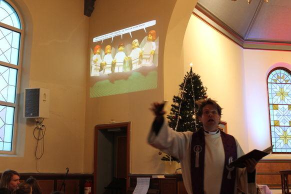 Per-Børge fremfører juleevangeliet