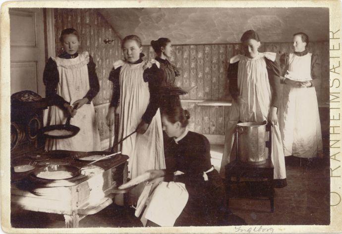 Husmorskolen ved Amtsskolen på Gyl 1898-99