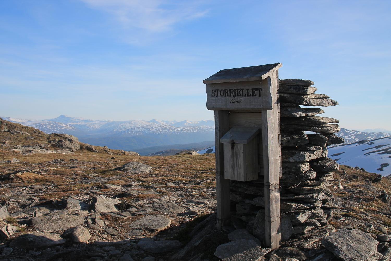 Storfjellet med Trollheimen bak
