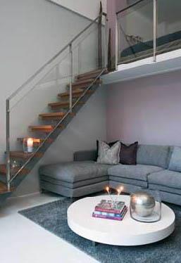 Interiørdesigner Halvor Bakke oppfordrer oss til å bruke mer farger i interiøret.