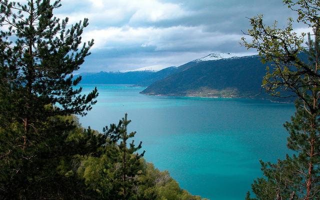 Sognefjorden mot Balestrand. Foto: Darek Hauderowicz