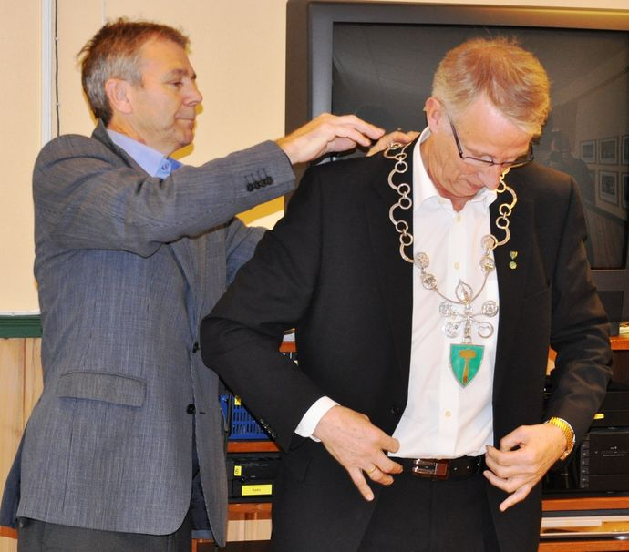 John Ole og Ola T ordførerkjede_1024x900