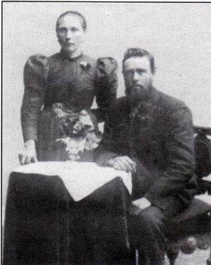 Petronille (37 år) og Ole J. Skjølsvold (50år) i 1899