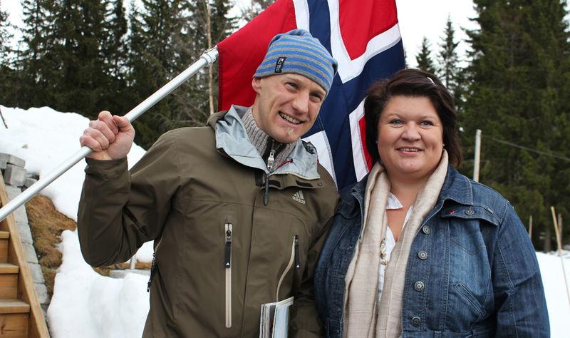 Skiskytter Carl Johan Bergman og ordfører Anita Ihle Steen.