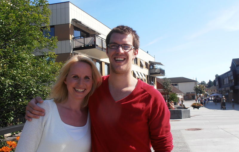 Kristina Lystad og Jasper Meijnen i gågata i Brumunddal