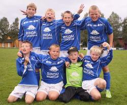 Bak : Jørgen Halgunset, Jarl Oskar Mykkelgård, Ottar Bence, Jo Svinsås Foran : Amund Fagerholt, Tølløv Heggem, Kristian Glåmen og Lars Olav Kirkholt.