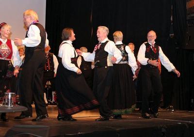 Leikarringen Noreg danser