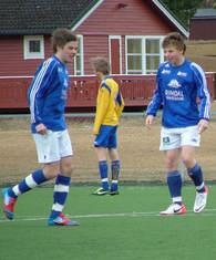 Kaptein Aksel og firemålsscorer Jarl Oskar