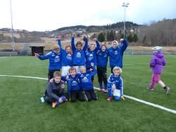 Bak fra venstre: Marcus, Emil, Sondre, Henrik, Tobias, Ole EinarForan fra venstre: Stian, Jo, Jonas og Sigurd.