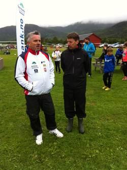 Lagledere Håvard og Kjetil planlegger taktikken i finalen