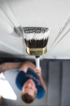 Med et godt forlengerskaft når du til i høyden når du maler.jpg