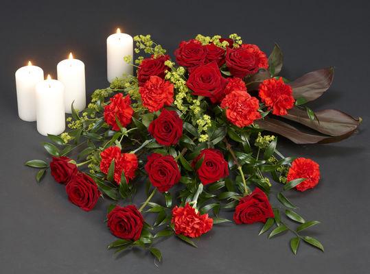 110711_blomster_båredekorasjon