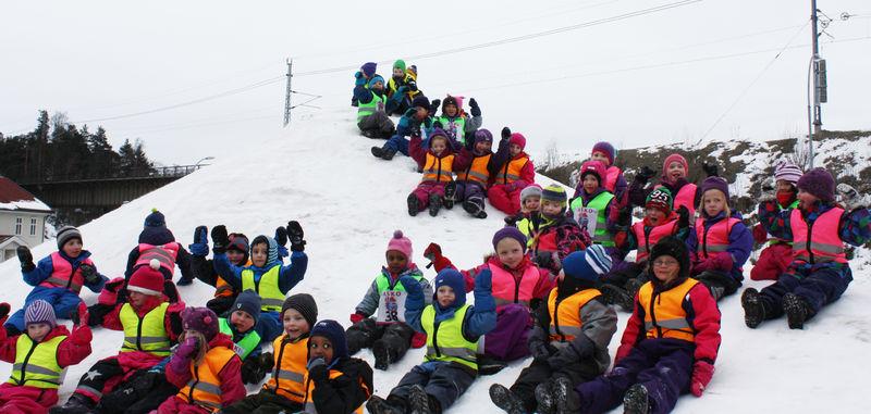 Barn fra Kremmerhuset barnehage og Moelv barnehage i Garveriparken