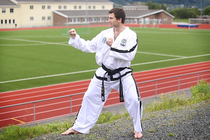 03 Christian Olsen sparring.png