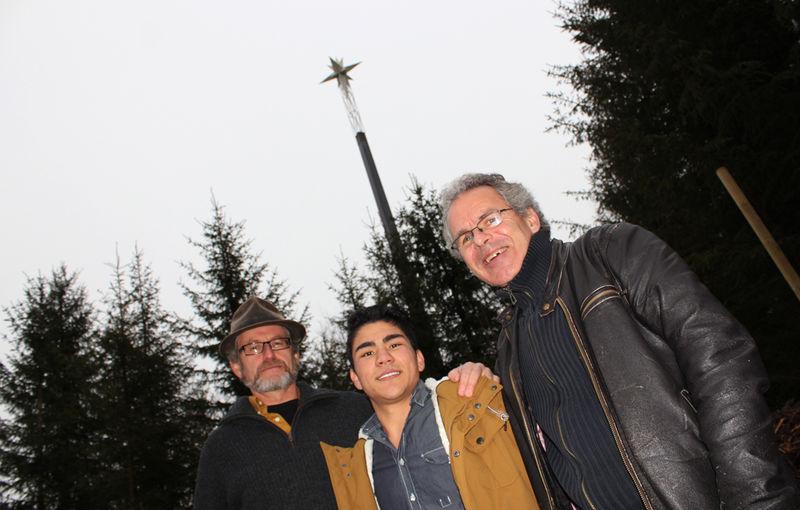 Hans Christian Medlien, Ahmad S. Samandari og Hogne Moe foran Prøysenstjerna.