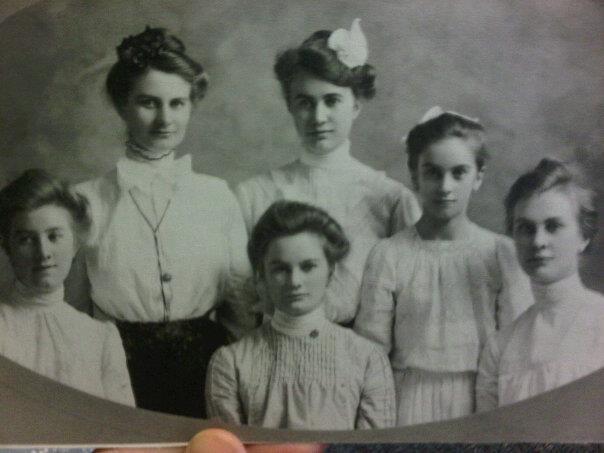 Romunstad sisters.jpg