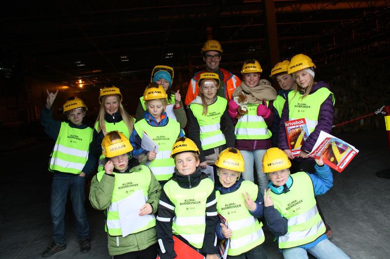 Klimabudbringerne i 6. klasse ved Kirkenær skole var de første som fikk komme inn i IKEA-bygget