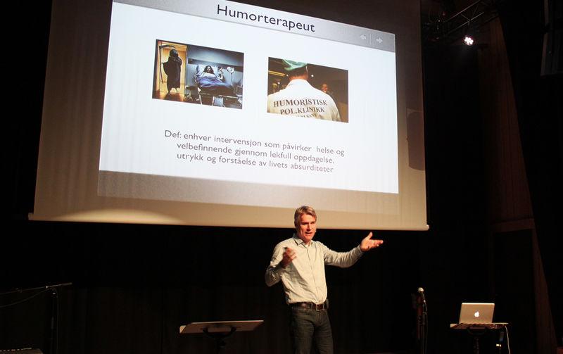 Kyrre Sæther holdt foredrag på Prøysenhuset.