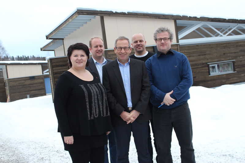 Ordfører Anita Ihle Steen, bygg- og eiendomssjef Kjetil Wold Henriksen, assisterende rådmann Espen Hvalby, prosjektleder Frank Holter og entreprenør Trond Pettersen.