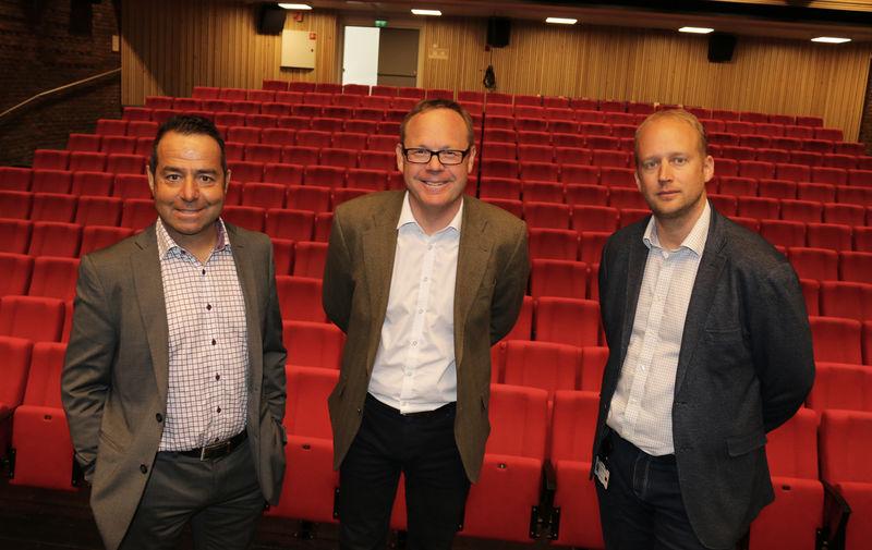 Kultursjef Asle Berteig, rådmann Jørn Strand og bygg- og eiendomssjef Kjetil Wold Henriksen i kulturhuset.