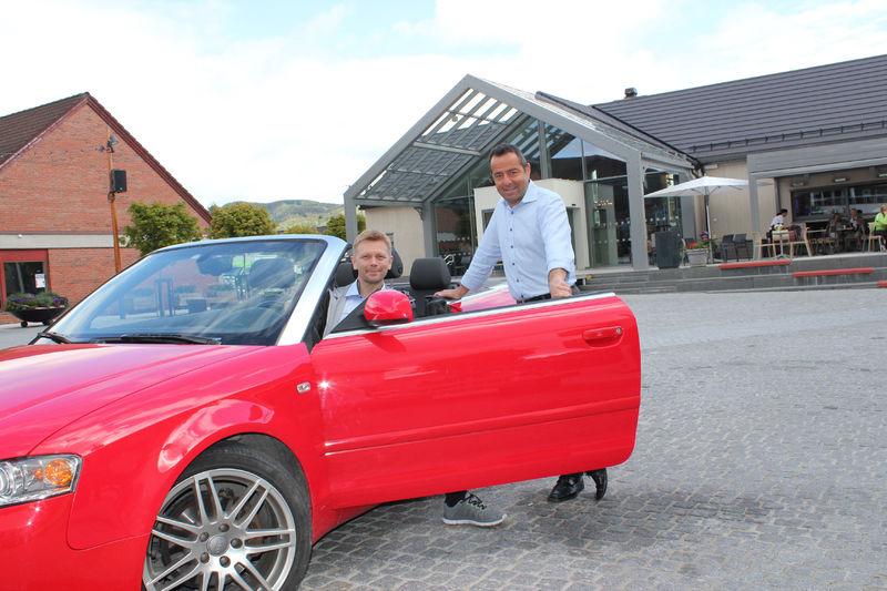 Sveinar Kristiansen og Asle Berteig håper på mange besøkende på bildagen 27. juni.