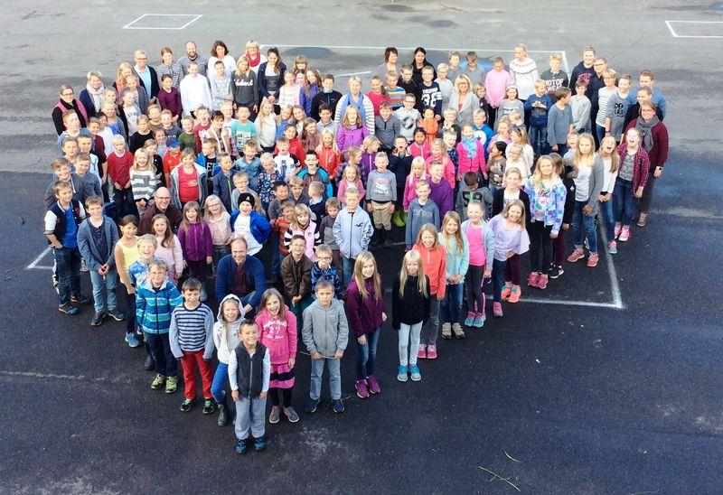 Store og små på Stavsberg skole