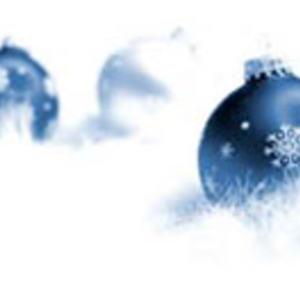 Julekule-blå-i-sne
